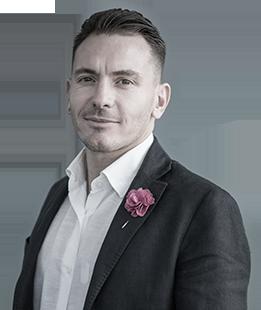 Hugo Valdez Director Consumer EngagementLLYC México